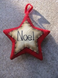 Primitive Decor 1146089RN - Red Noel Star Ornament